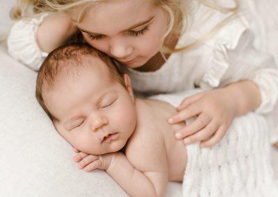Baby_girl_big_sister