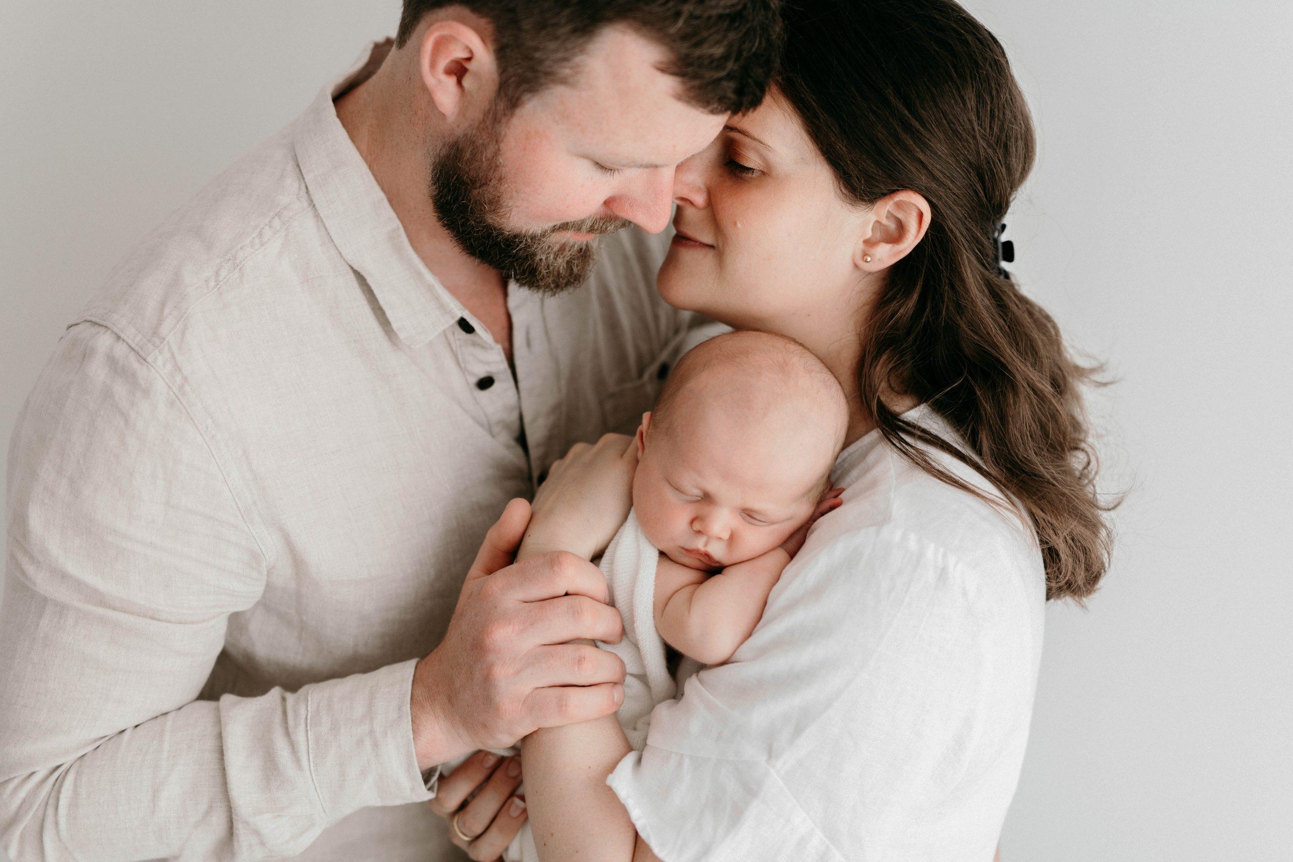 newborn-family-photos